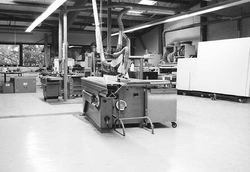 Ansicht Werkstatt Tischlerei holzig